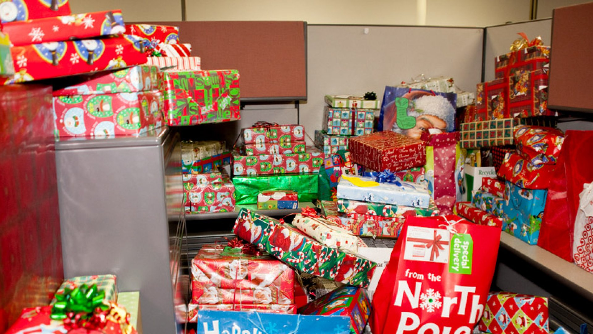 6 Tips for Maximizing Corporate Gifting