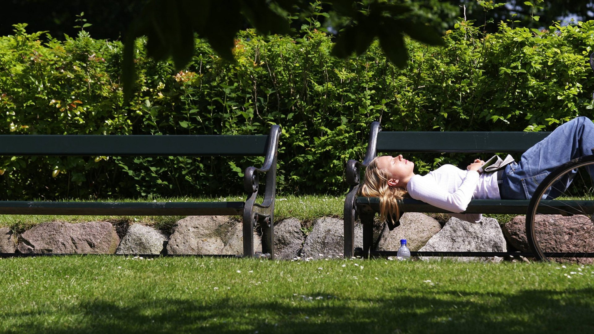It's Not Just You: Science Says Hot Weather Really Does Make You Lazy