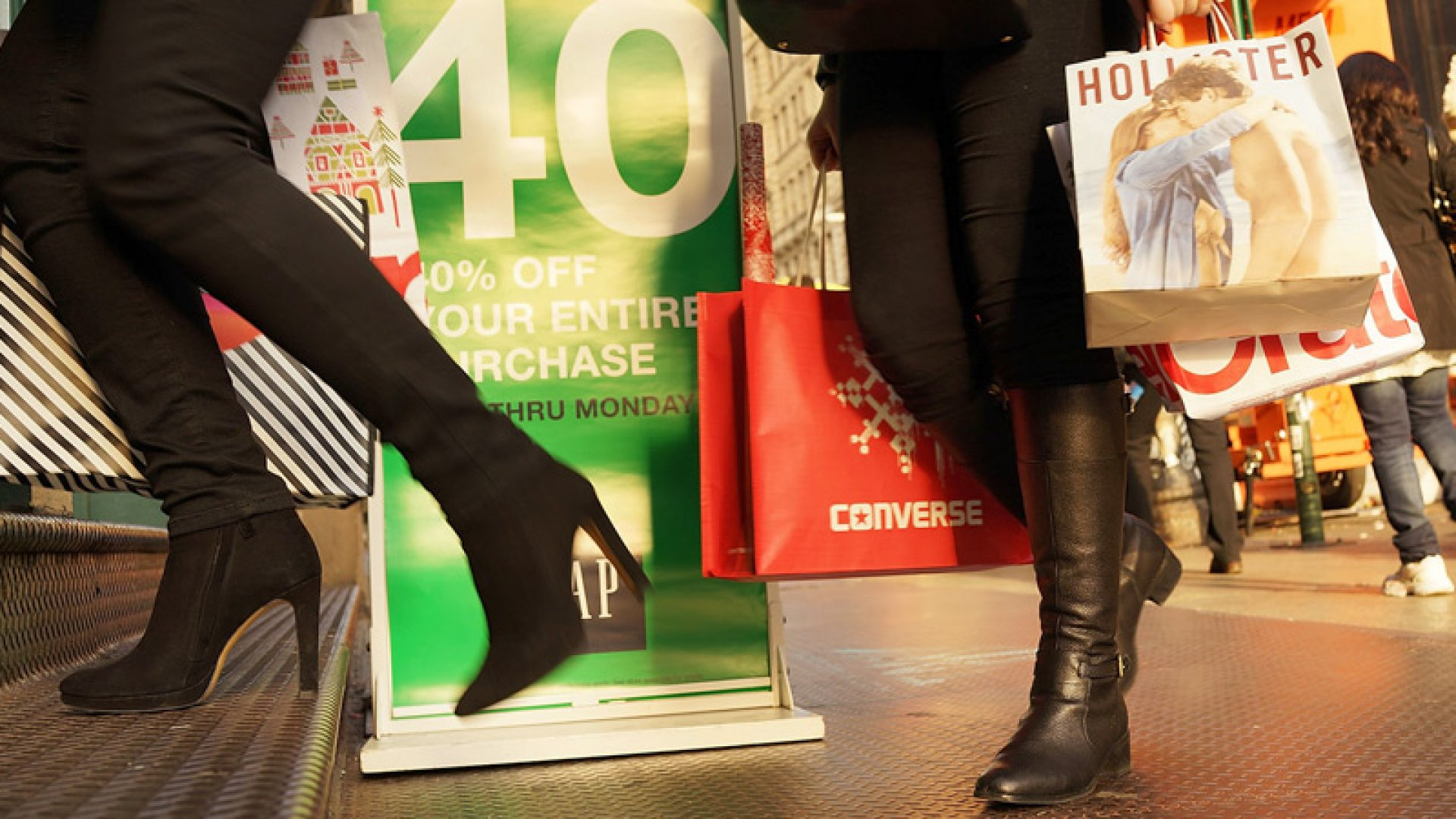 'Tis the Season to Sell, Sell, Sell: How Fast-Growth Companies Manage Black Friday