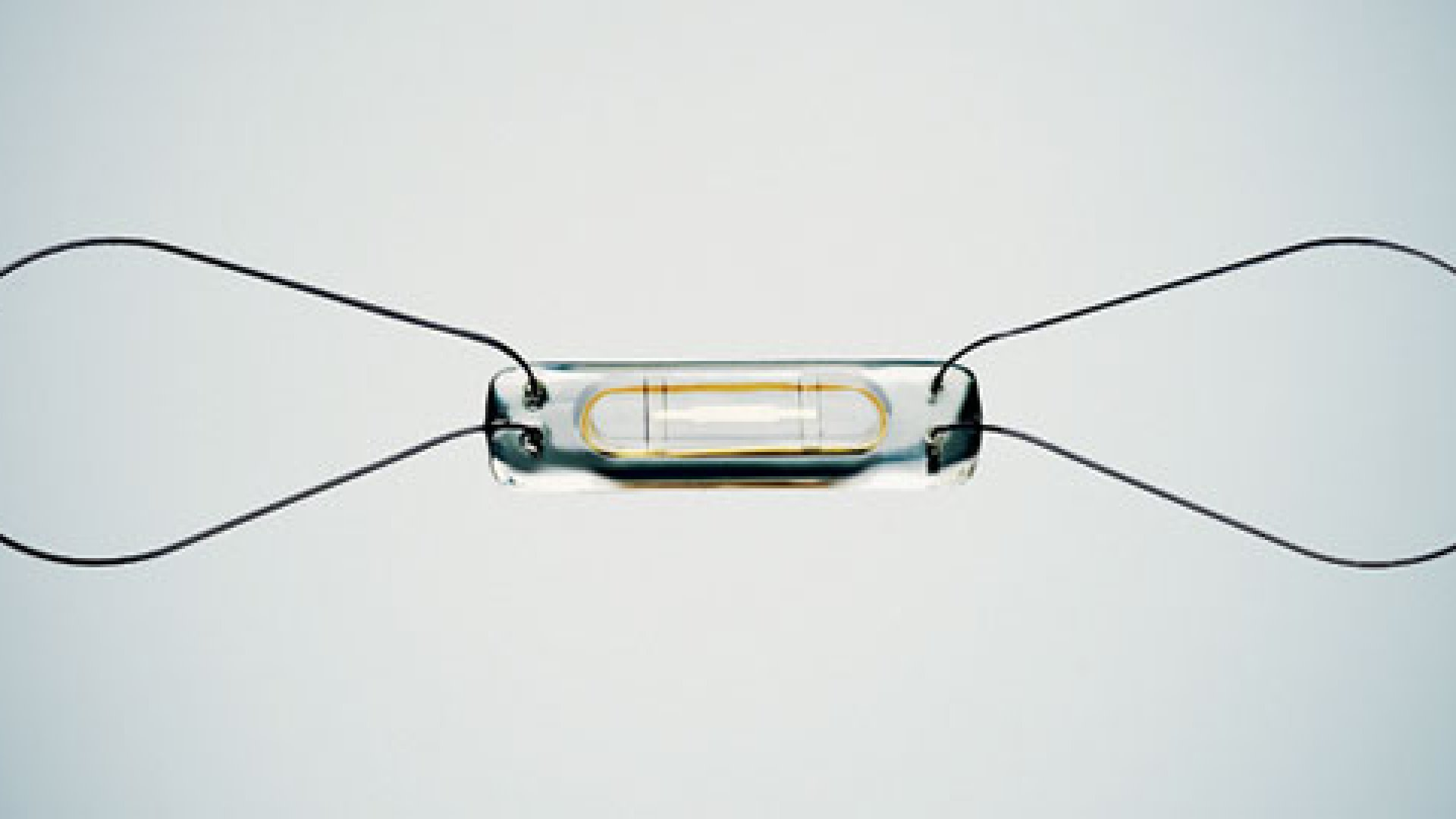 <strong>A TINY, DISEASE - FIGHTING SENSOR</strong> the EndoSure sensor pictured here is magnified 480 percent. the thin, looped wires anchor the device to artery walls.