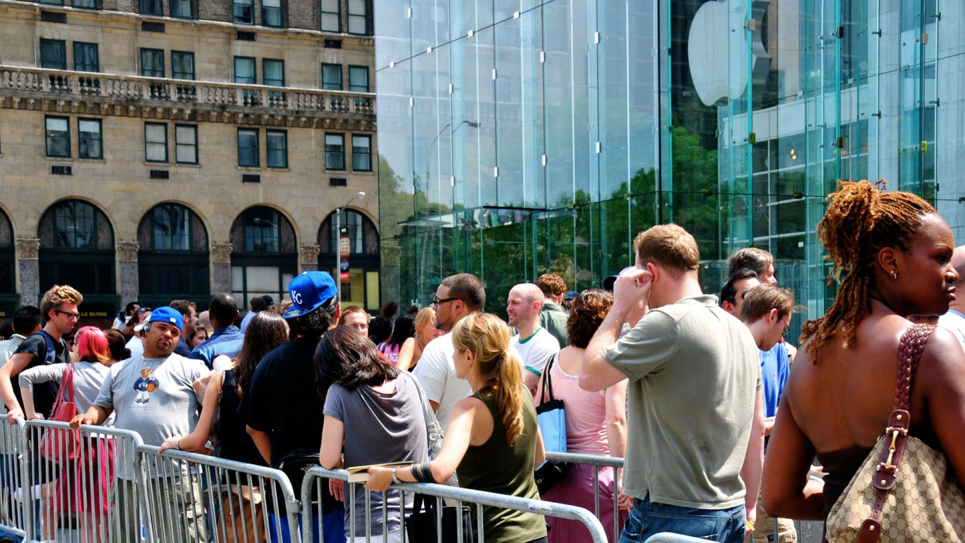 <b>The More, the Merrier:</b> Long lines for Apple's new releases are good news for Sena Cases.