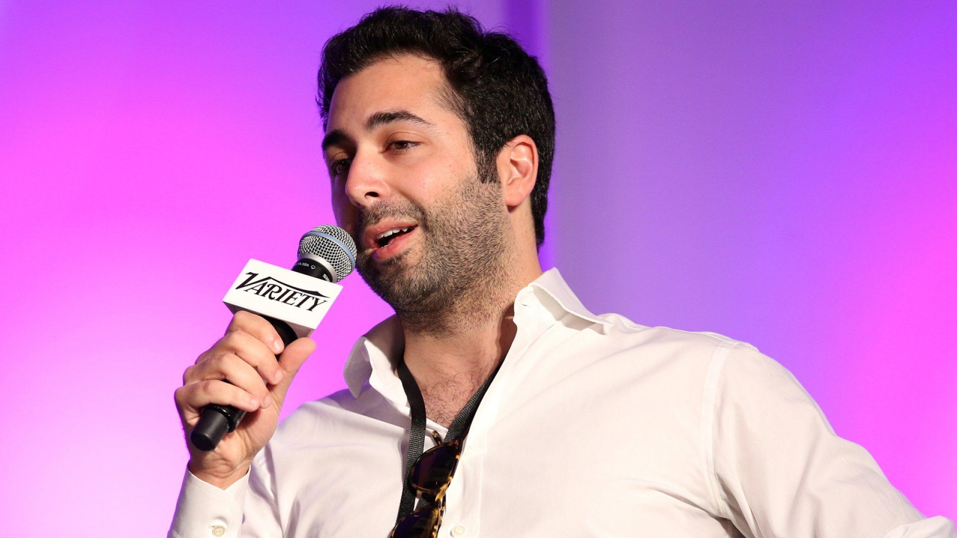 Ousted Tinder Co-Founder Uses Nasty Texts as Evidence in Sexual Harassment Suit