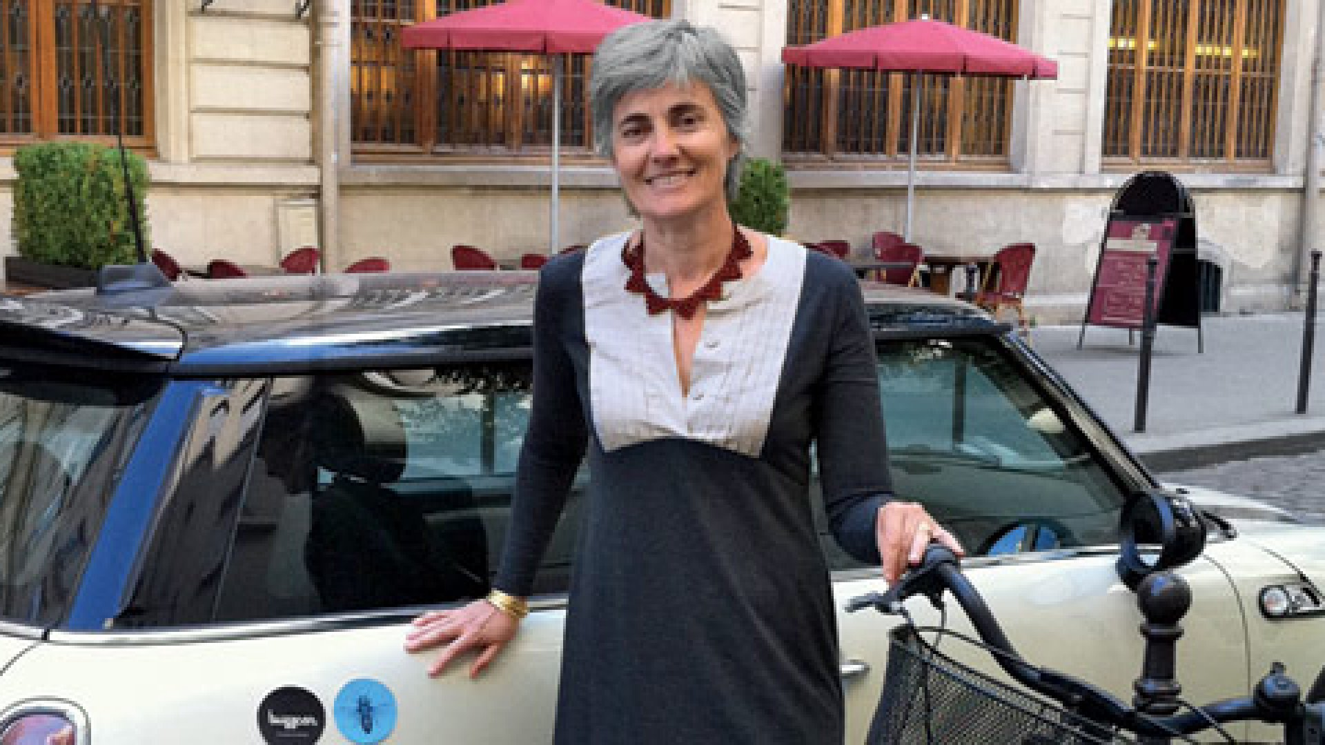 <b>Rolling Again</b> Robin Chase says her Paris-based Buzzcar will set the standard for innovative car sharing.