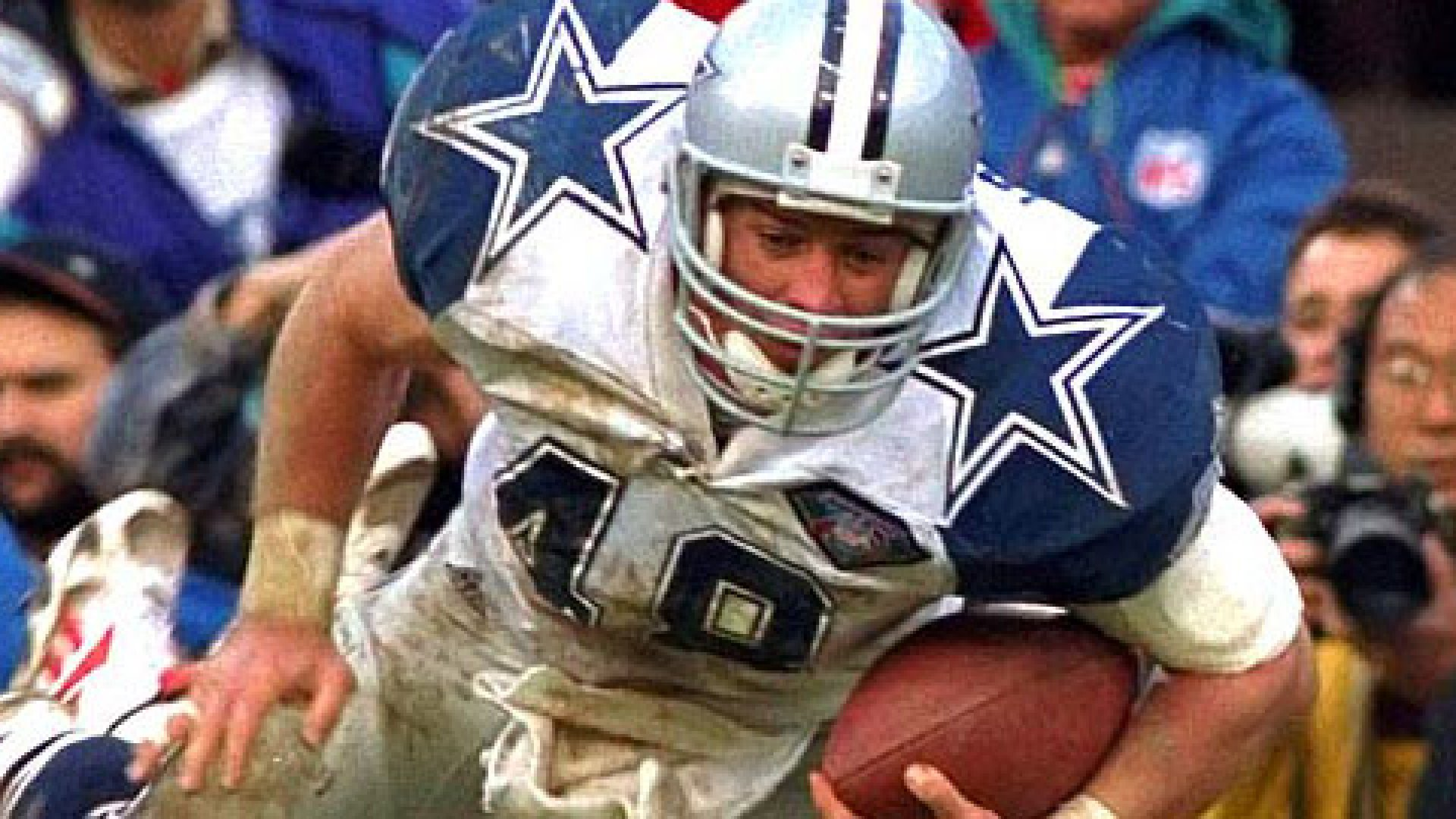 """Daryl """"Moose"""" Johnston is probably the most well-known fullback of recent time. He won three super bowls blocking for Emmitt Smith and is likely to end up in the Pro Football Hall of Fame."""