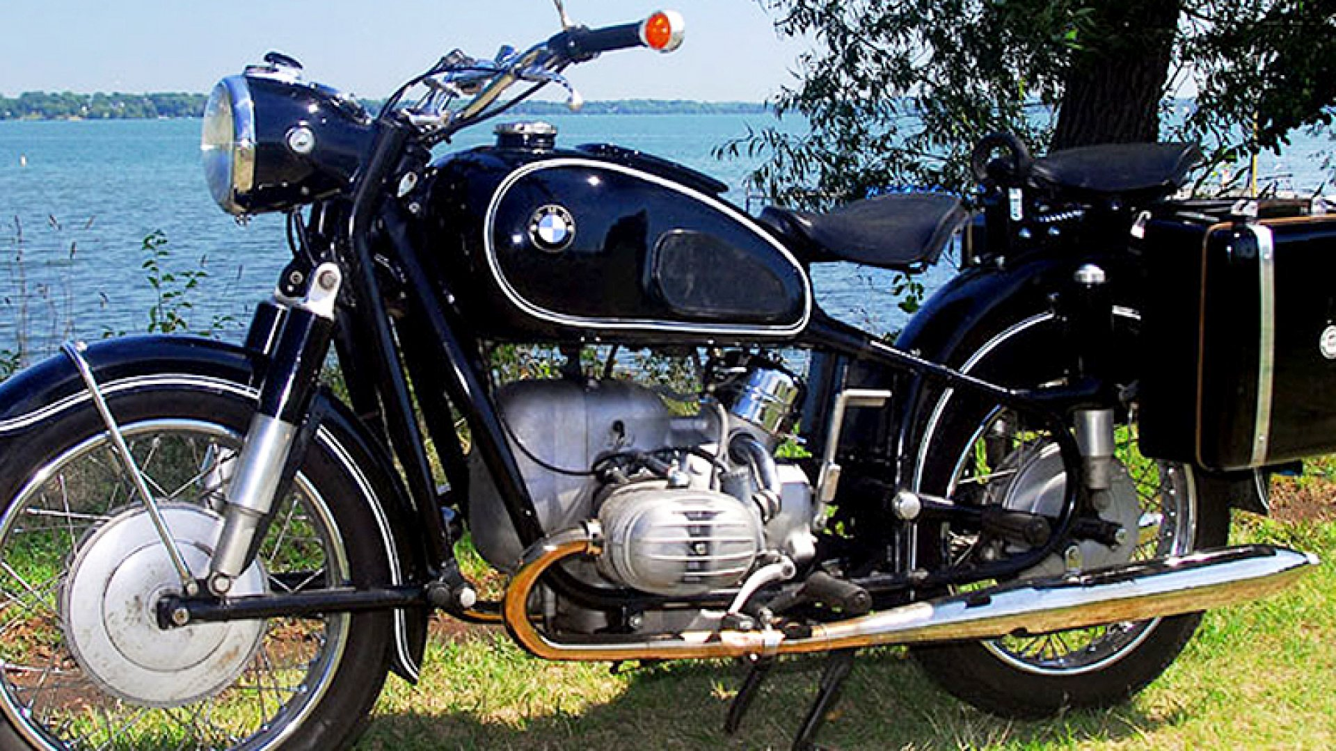 Steve Jobs's bike of choice was the 1966 BMW R60/2. (1967 BMW R60/2 pictured above.)