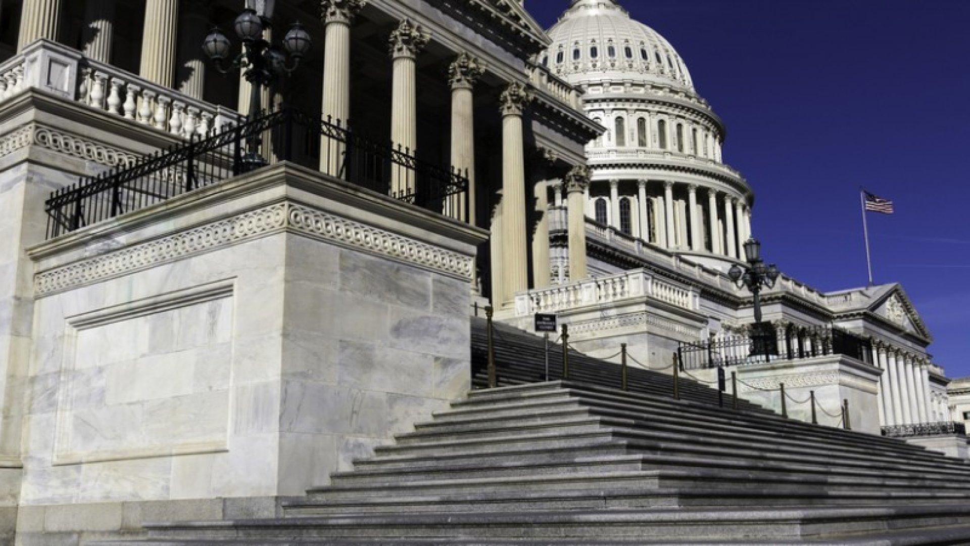 Mark Zuckerberg, Tim Cook, and Jeff Bezos Urge Congress to ExtendDACA