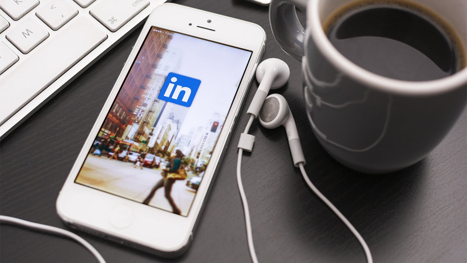 How to Write About Yourself on LinkedIn Without Boasting