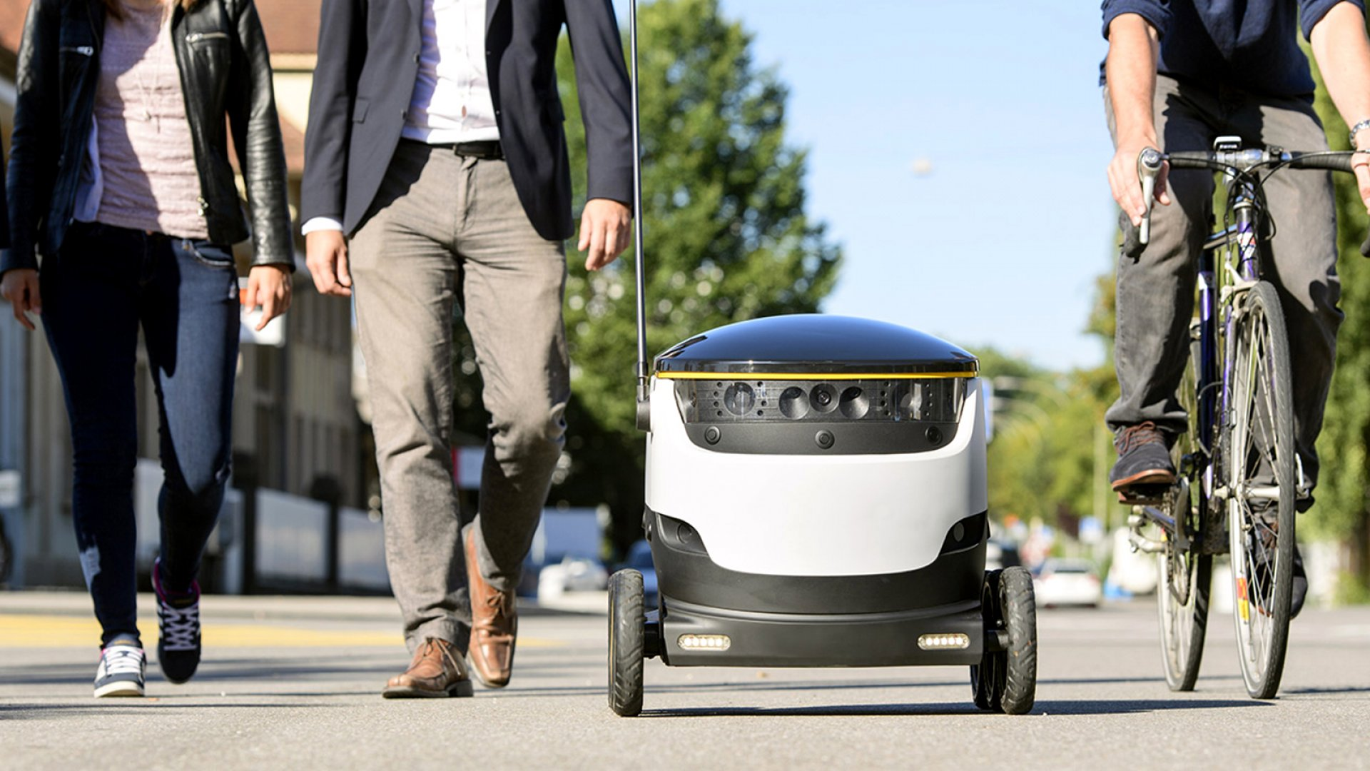 Delivery Bots Start Rolling Down the Streets of U.S. Cities