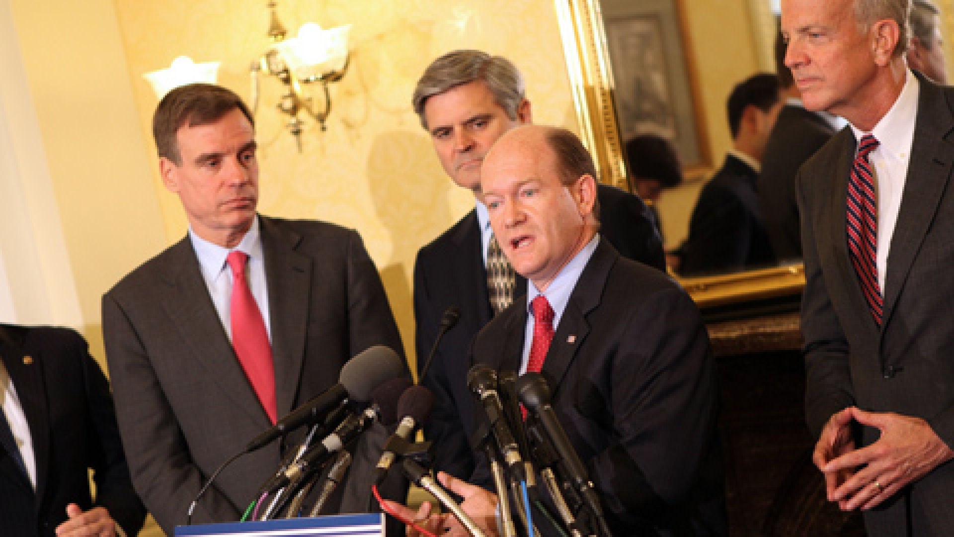 Senators gather with AOL founder Steve Case to announce Startup Act 2.0 in May 2012. From left: Marco Rubio (R-Florida), Mark Warner (D-Virginia), Case, Chris Coons (D-Delaware), and Jerry Moran (R-Kansas).