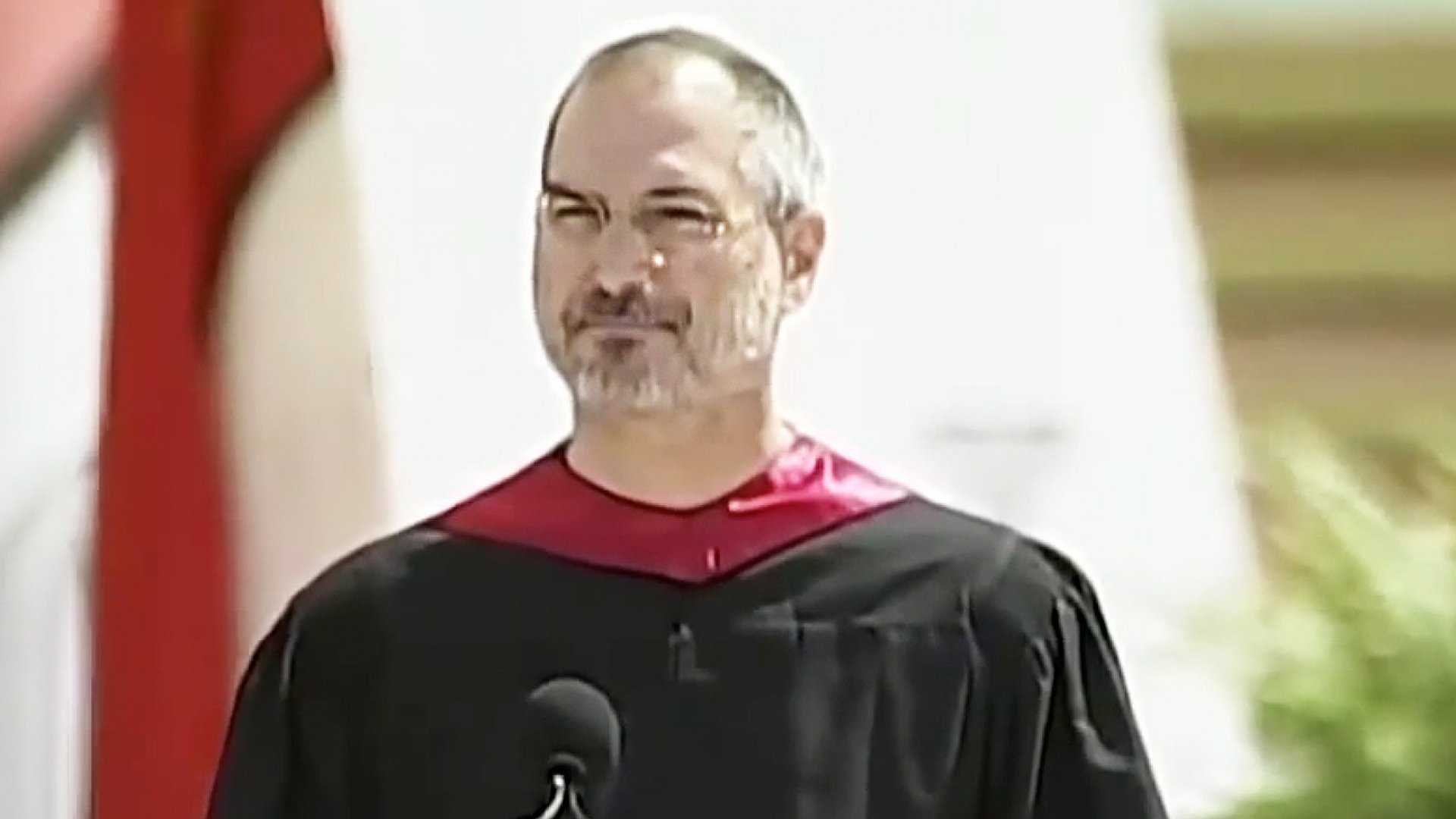 Need Some Inspiration? Watch These Commencement Speeches From Steve Jobs, Oprah Winfrey, and Others