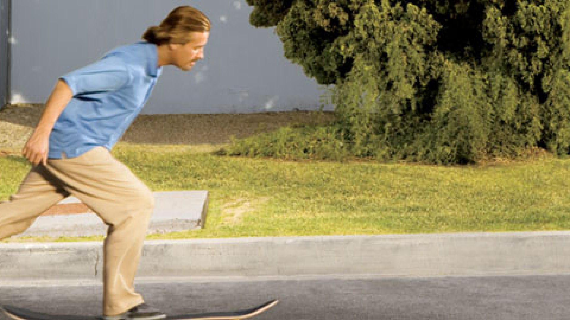 <strong>STREET SURFER</strong> That's no ordinary skateboard Michael Kern is riding. The Flowboard has 14 wheels and simulates the feel of a surfboard.