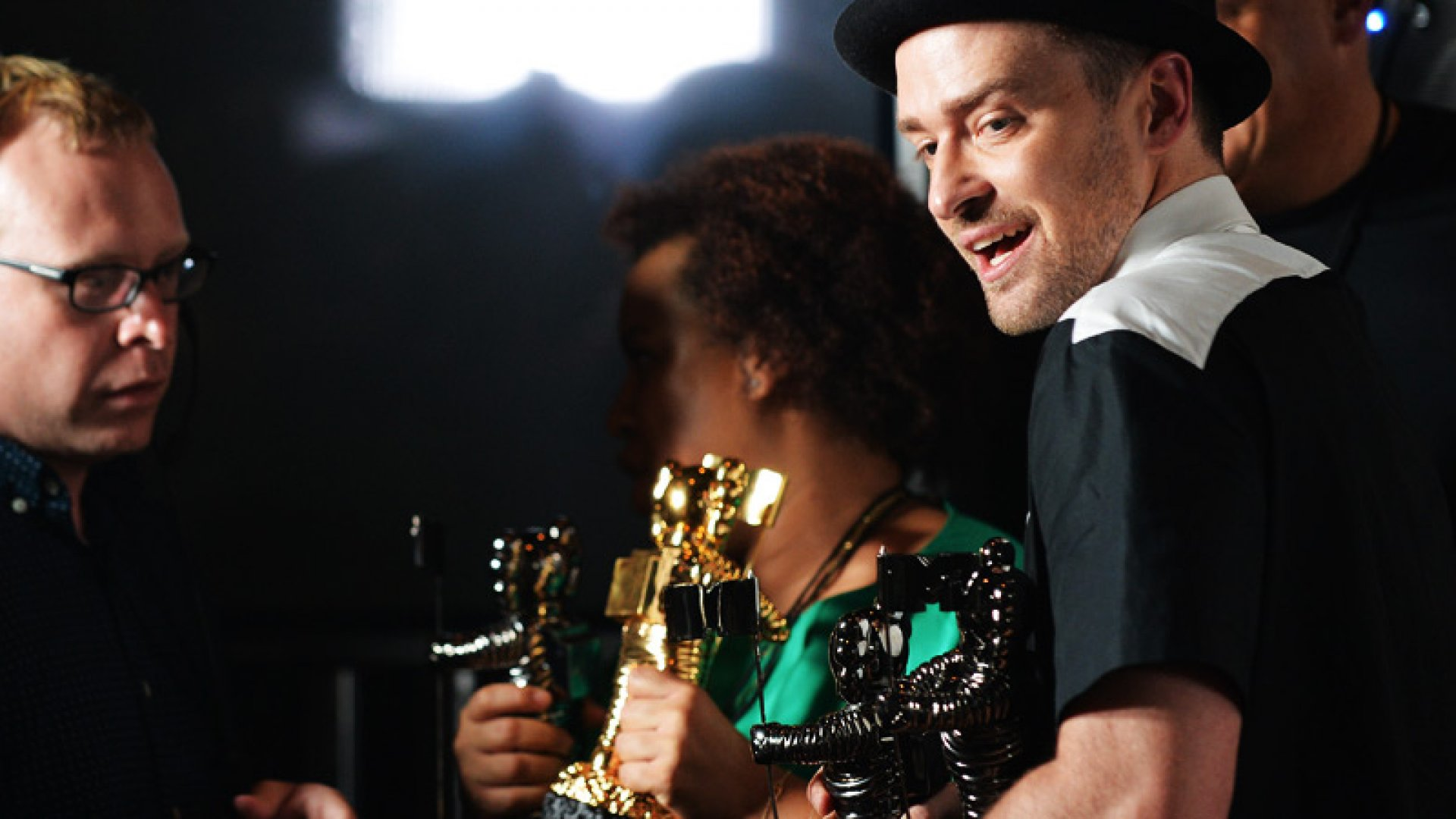 6 Surprisingly Useful Leadership Lessons from the VMAs