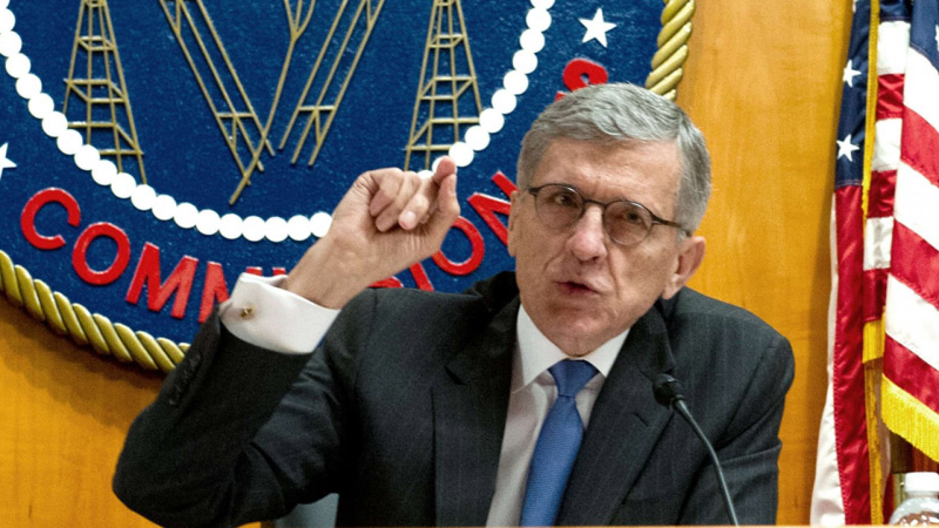 FCC Votes to Preserve Net Neutrality, But Leaves Door Open to Fast Lanes