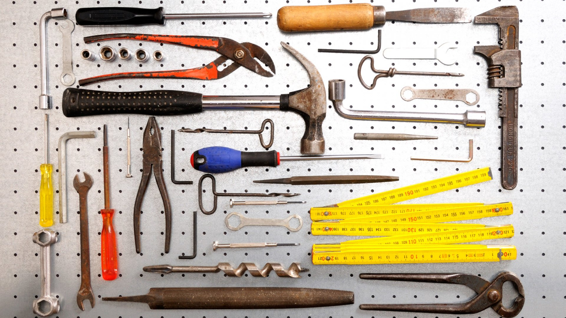 9 Essential Tools for Building Your Startup