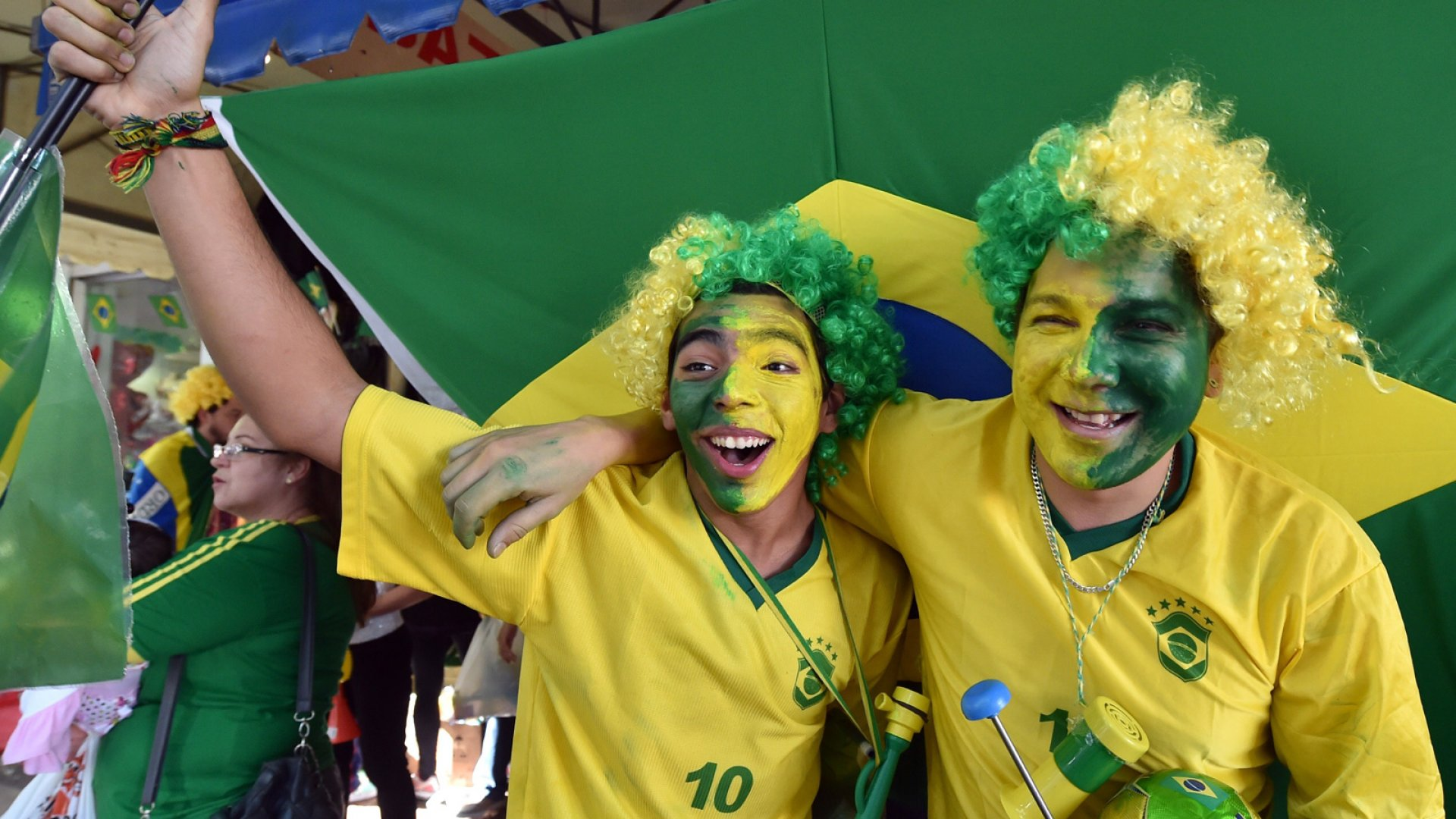The Social Side of the World Cup (Infographic)