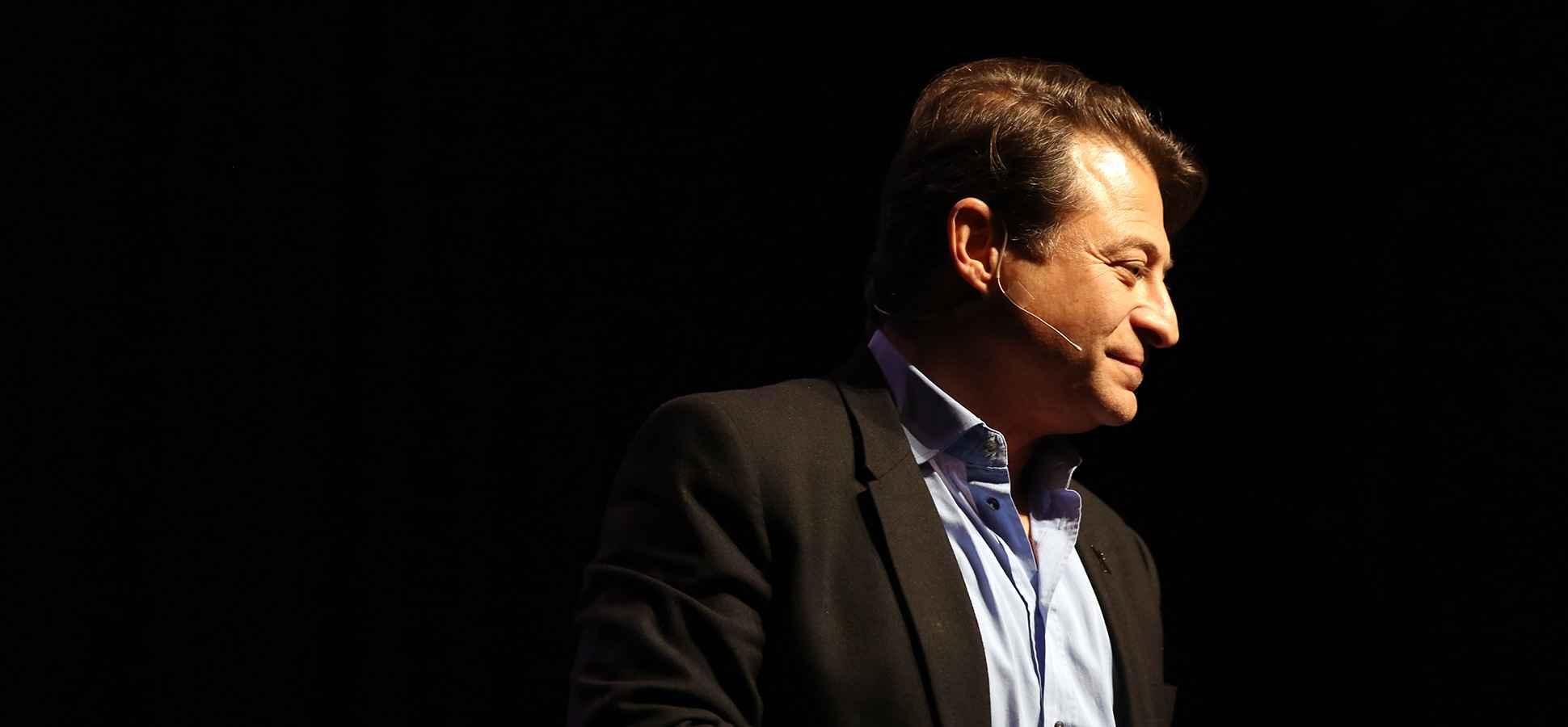 Peter Diamandis: Want to Be a Billionaire? Solve a Billion-Person Problem