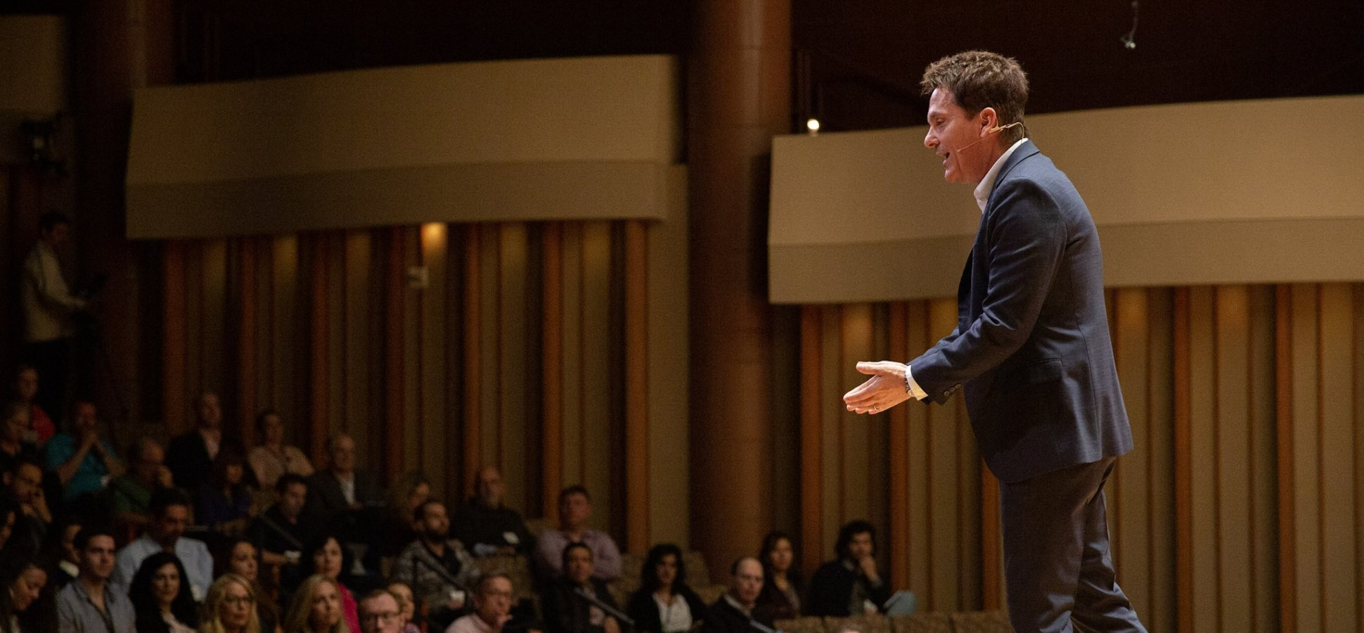 A Top Vocal Coach Shares His Personal Tips for Acing Your Next Presentation