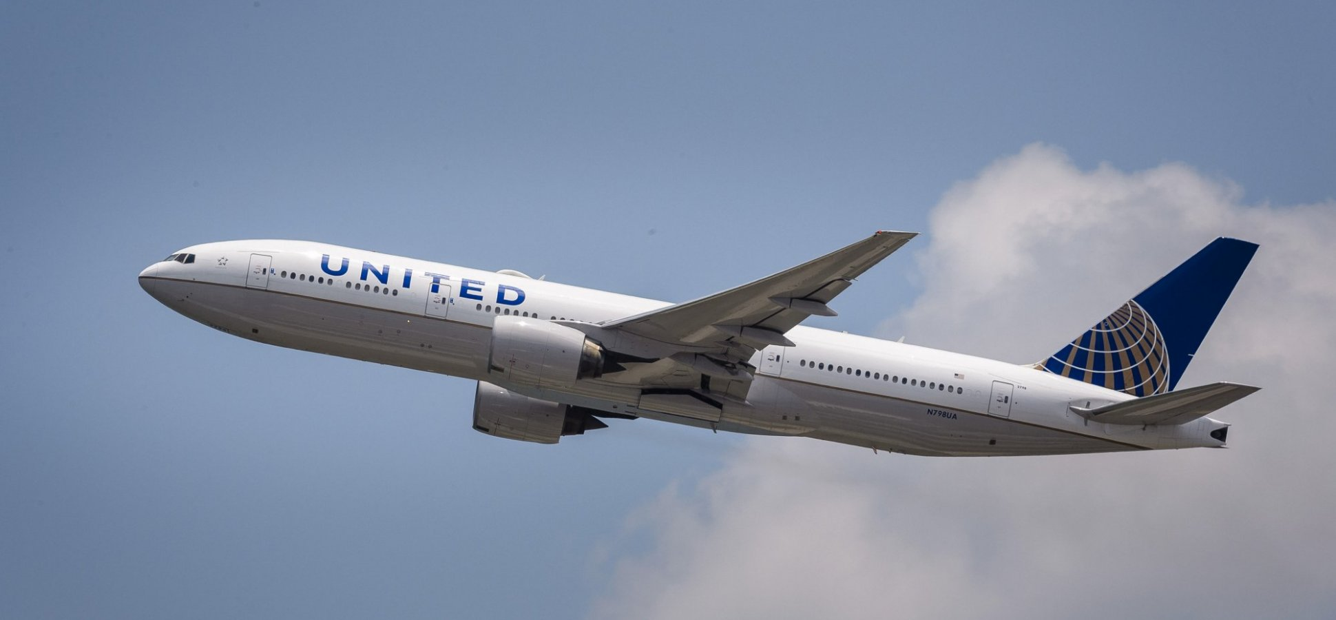 united airlines president says if families want to sit together