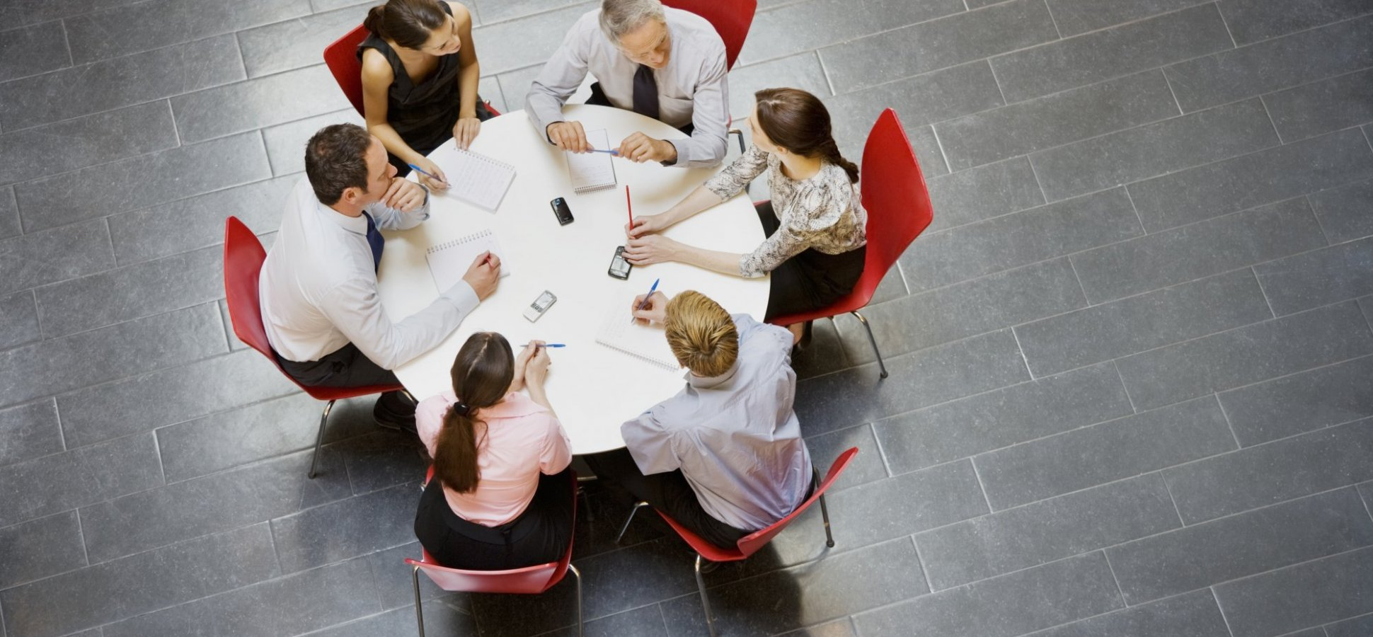 28 Icebreaker Questions to Start Your Next Team Meeting