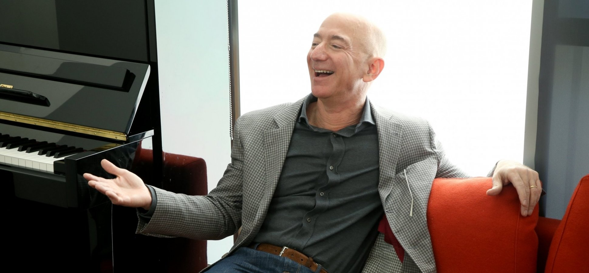 Jeff Bezos Says This 1 Sentence (Hidden in Plain Sight for 20 Years) Is the Key to Amazon's Success