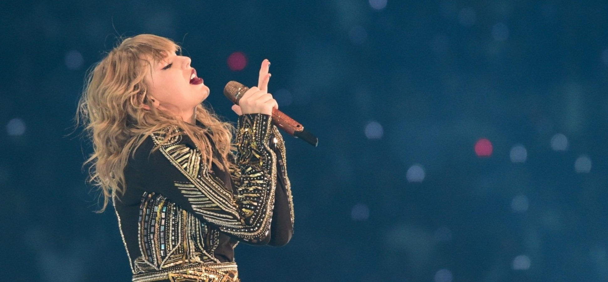 With an Unheard of Contract Clause, Taylor Swift Does Well by Helping Her Competitors