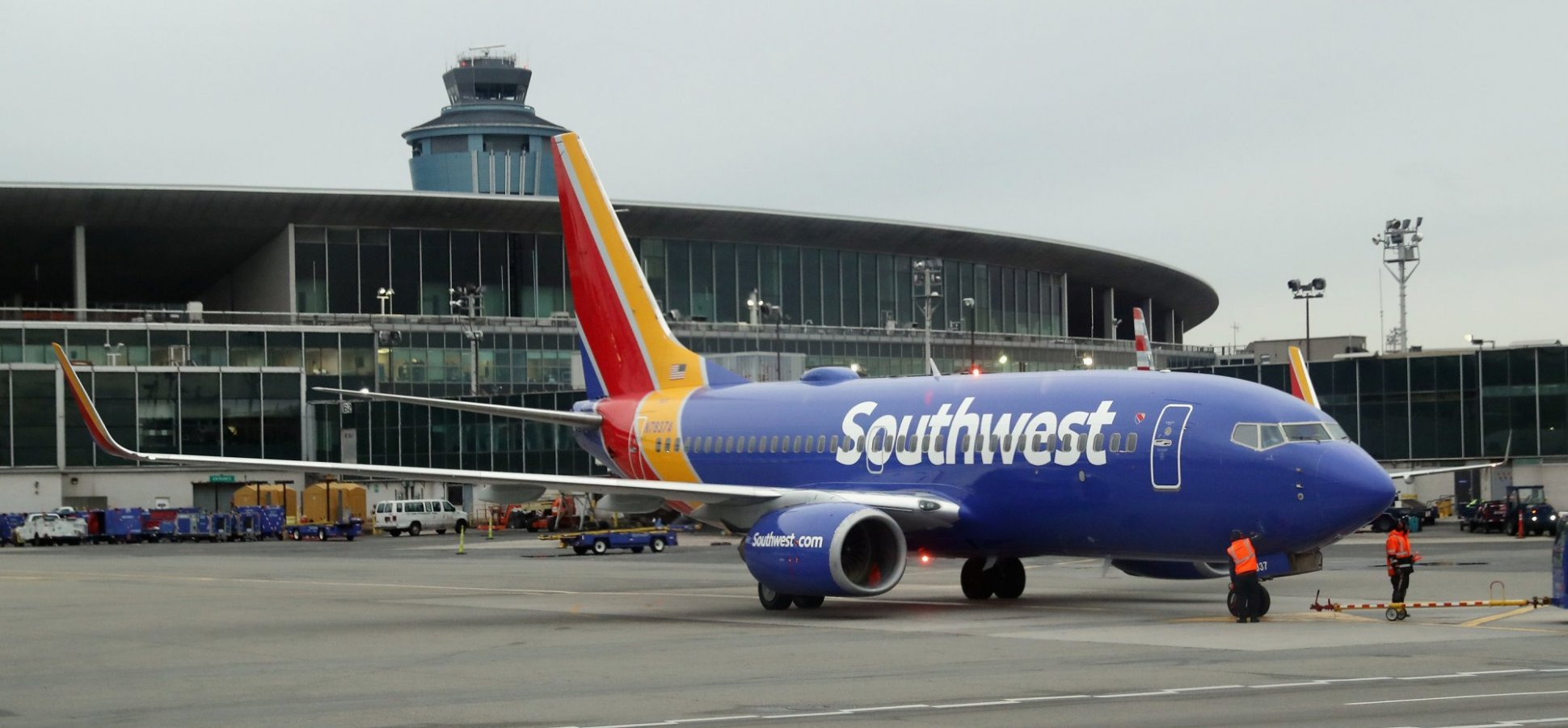 A Southwest Airlines Flight Attendant Did Something Truly Extraordinary For His Passengers. Why Don't All Flight Attendants Do This?