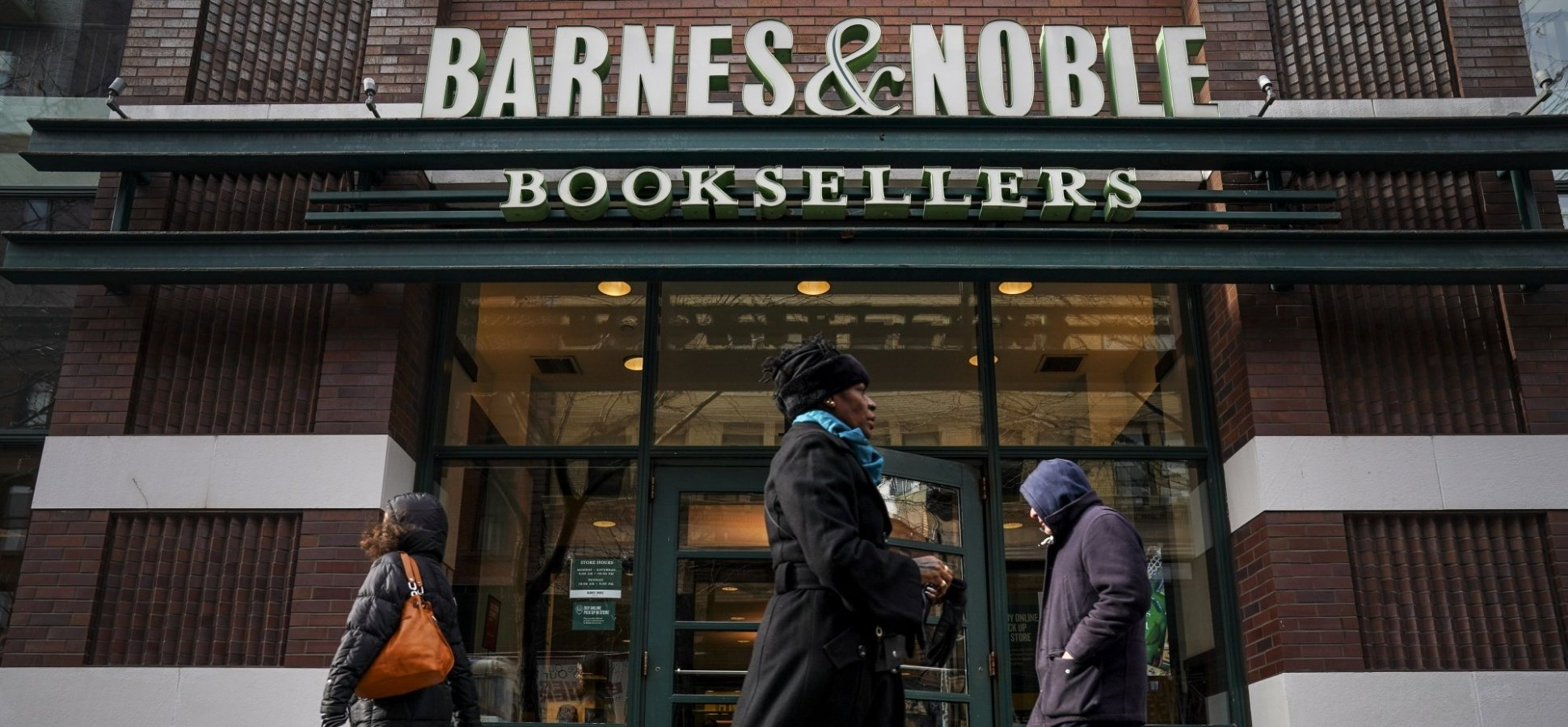 Barnes and Noble's New CEO Just Revealed a Brilliant Plan to Save the Company From Amazon