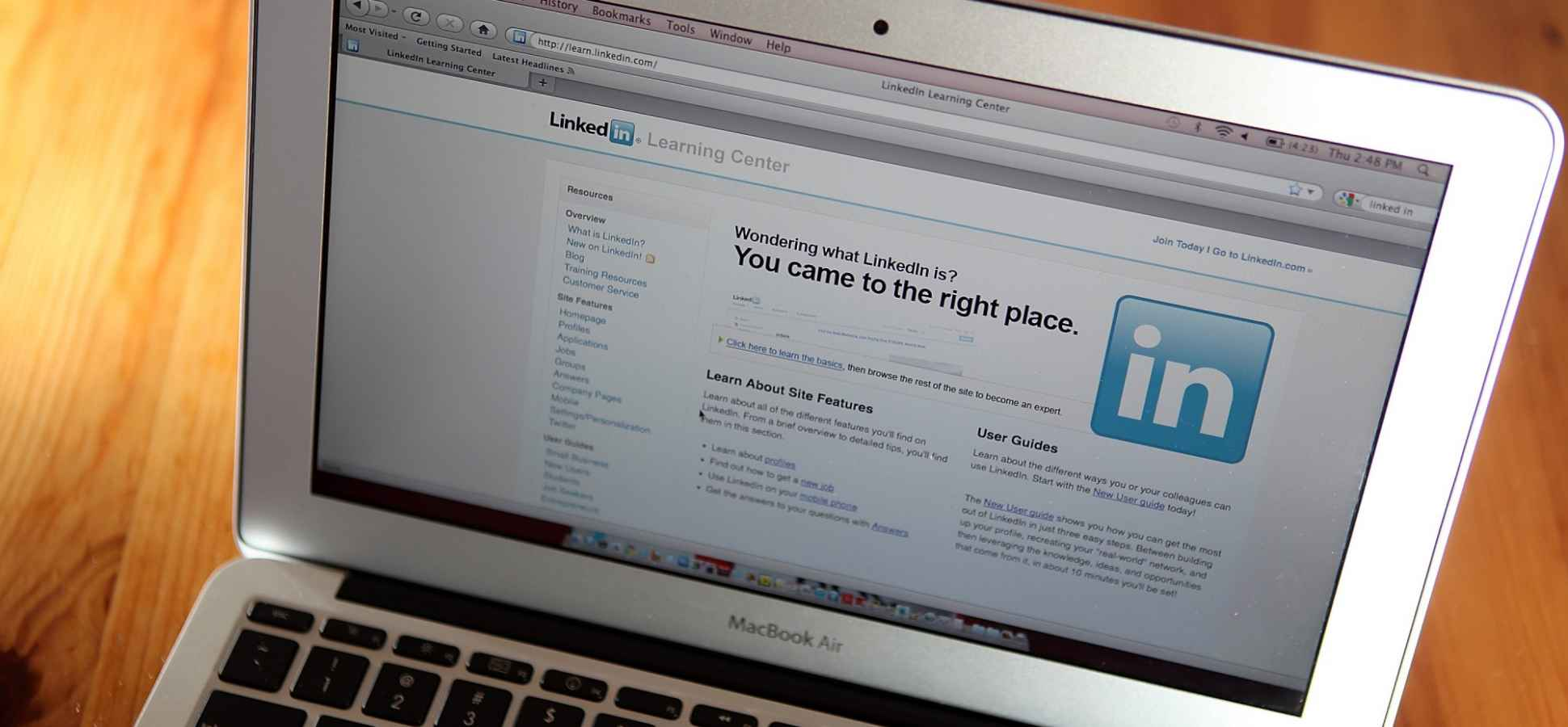 3 Tips to Get Noticed on LinkedIn (From a Former Employee)