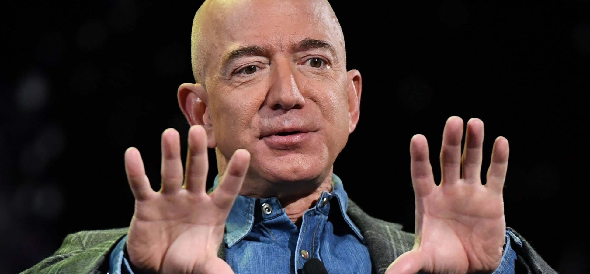 Jeff Bezos Uses This 1 Emotionally Intelligent Sentence to Sell His Team on His Biggest, Boldest Ideas