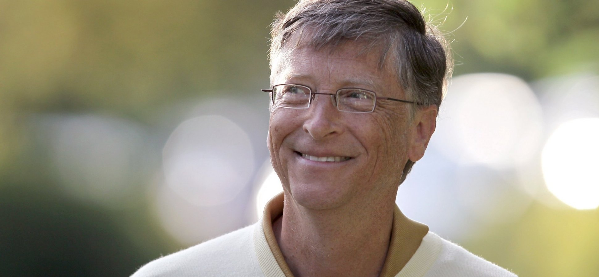 Here's Why Millions of People Find Bill Gates' Reading List Fascinating