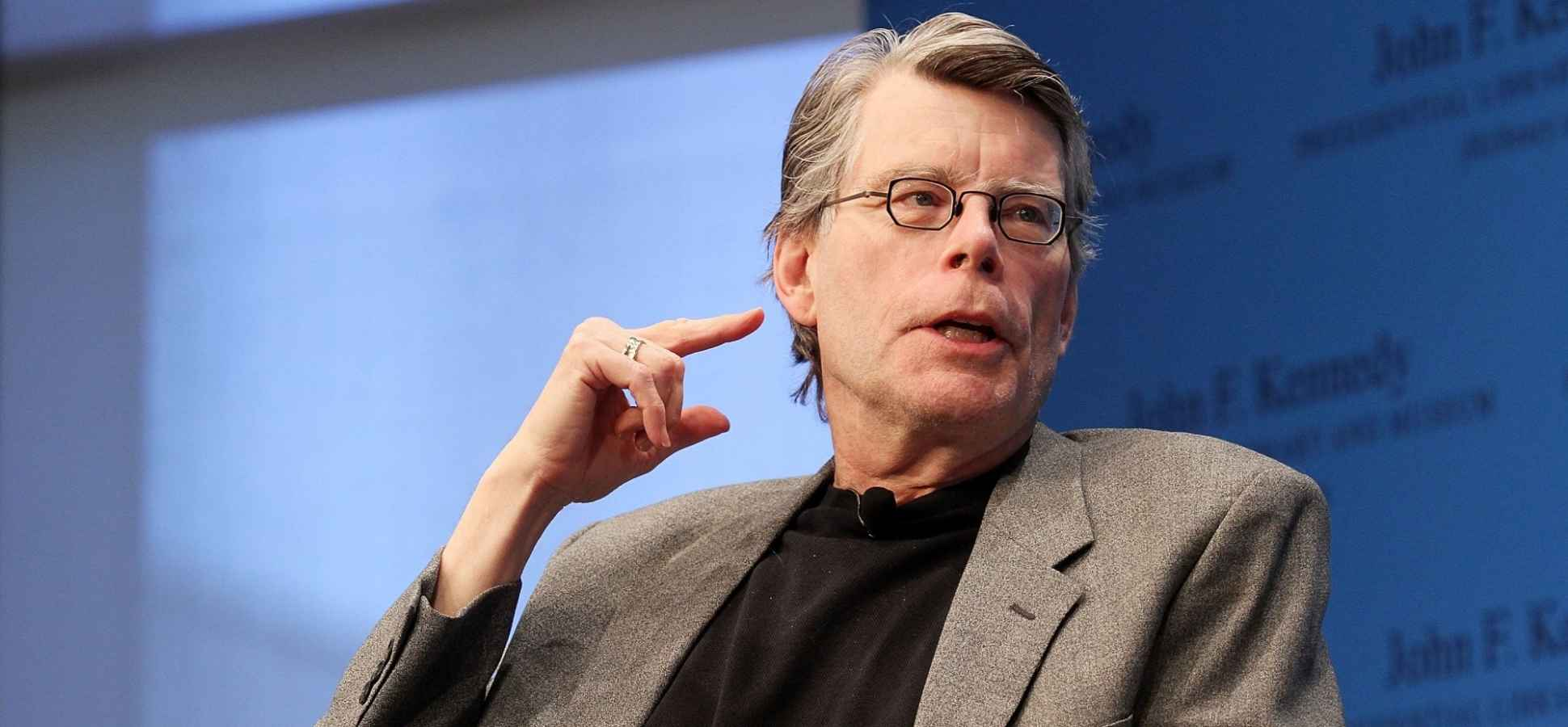 Stephen King Used These 8 Writing Strategies to Sell 350 Million Books