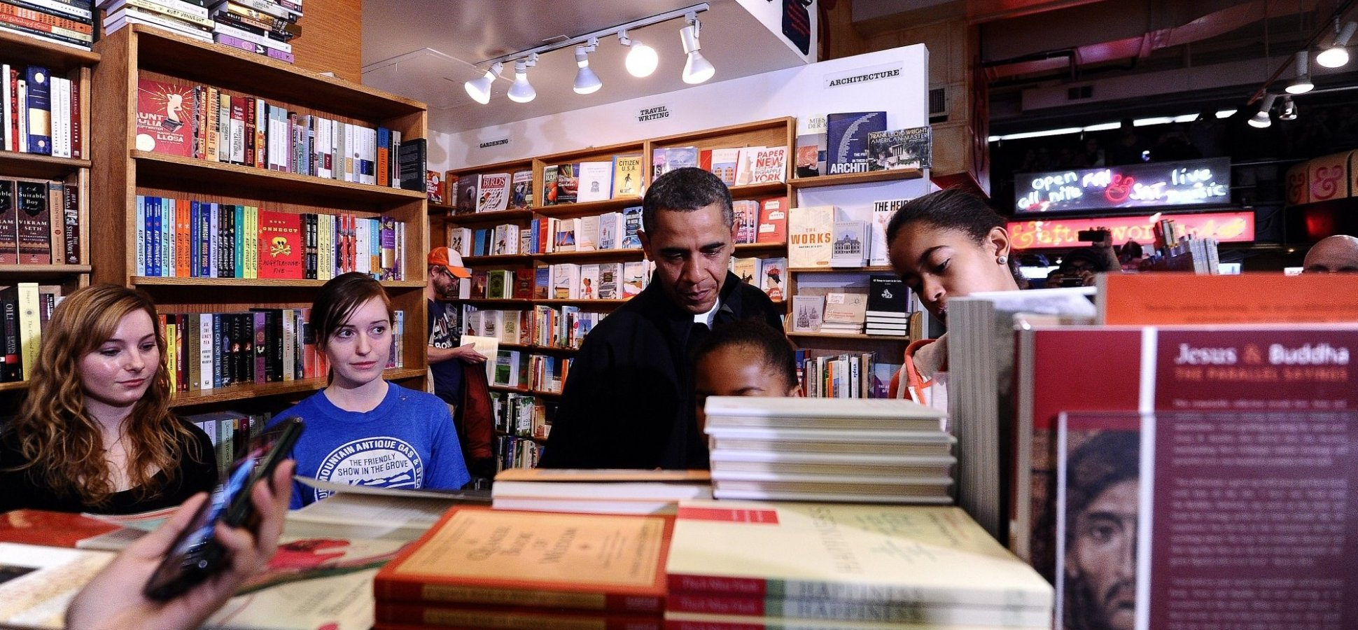 The 3 Books Barack Obama Thinks Everyone Should Read This Spring