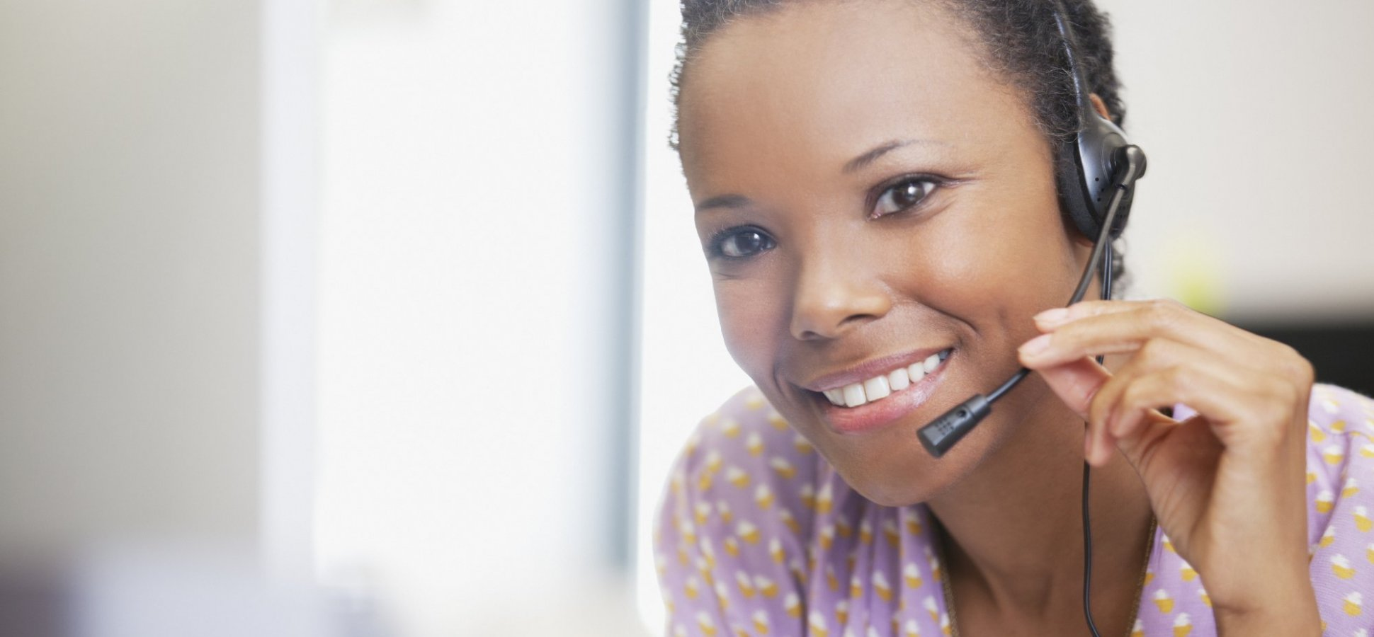 7 Signs You Need a Virtual Assistant (and How to Hire the Right One)