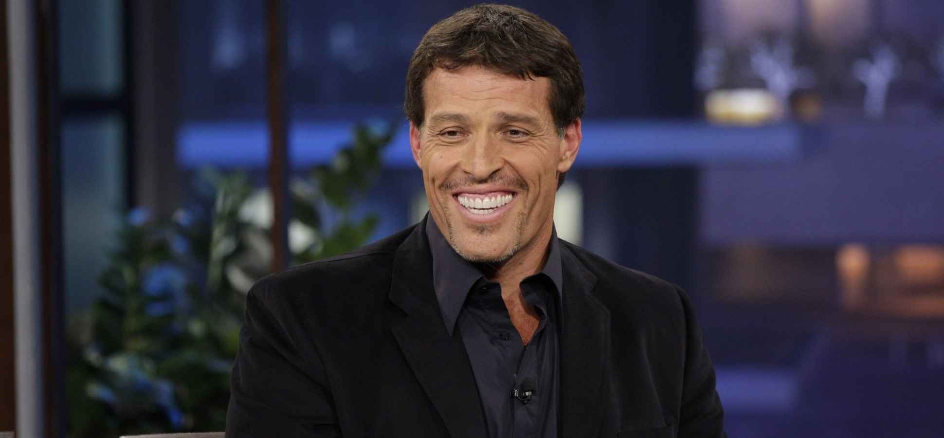 Tony Robbins's 6 Best Tips for Building Wealth Now