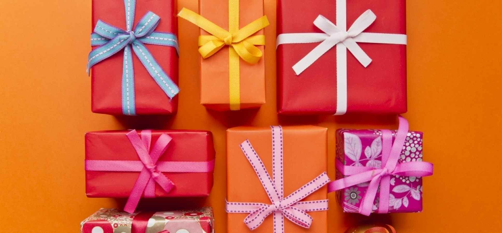 What Are the 9 Best Types of Gifts to Give Your Customers? | Inc.com