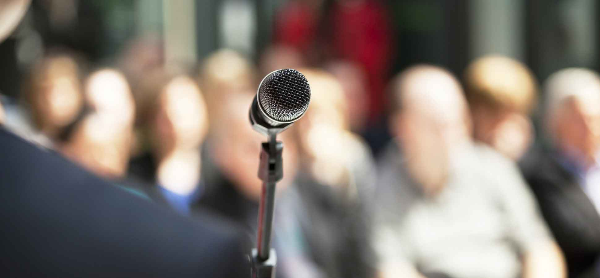 Why You Should Tell Your Audience When You're Nervous About Giving a Speech