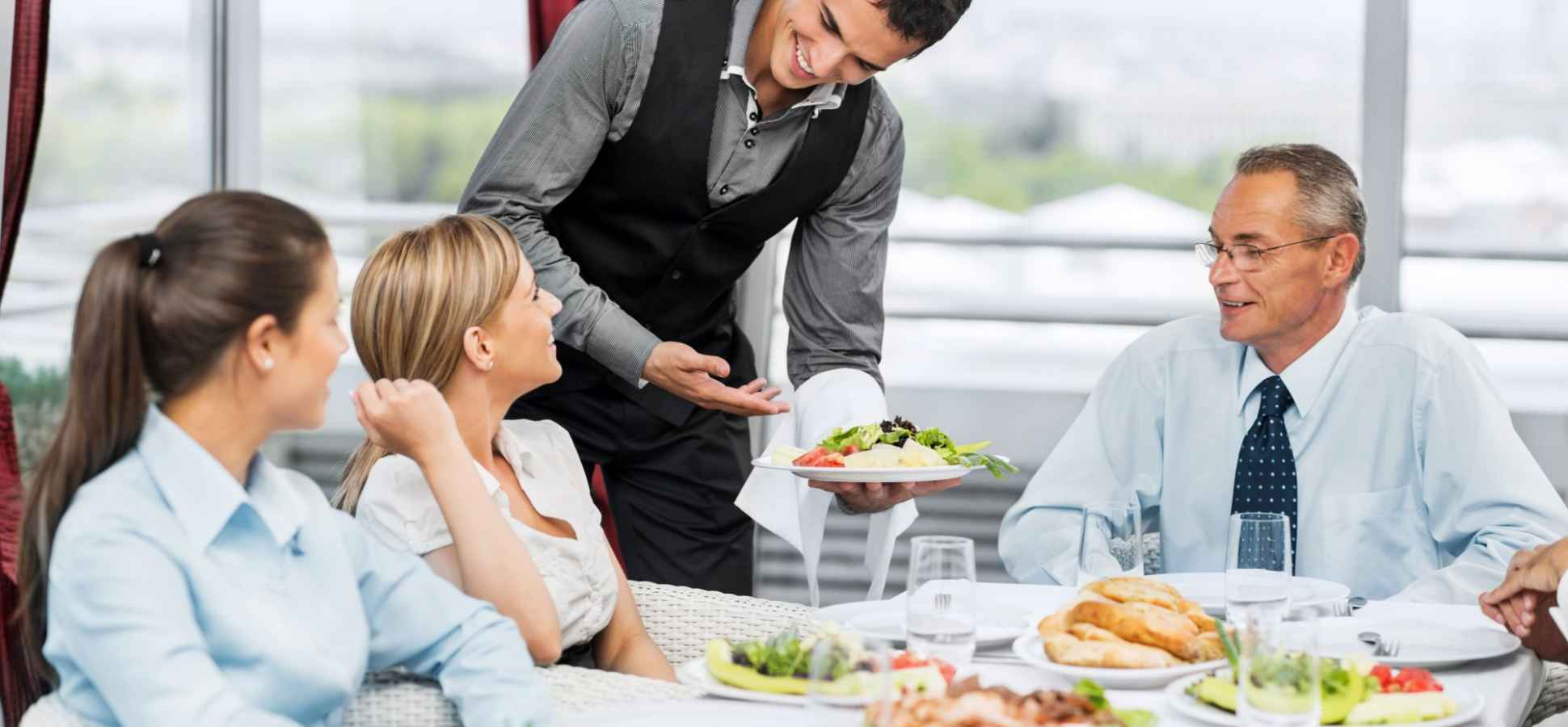 Eating Out for a Work Meeting? Science Says Order These 7 Foods for an Afternoon Brain Boost