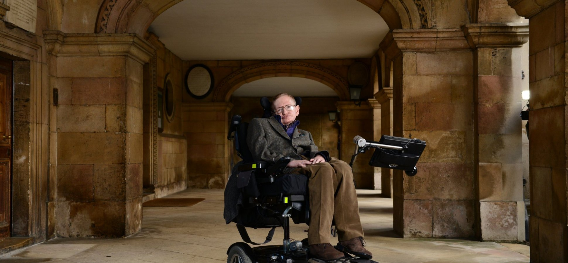 3 Ways to Live a Beautiful Successful Life According to Stephen Hawking