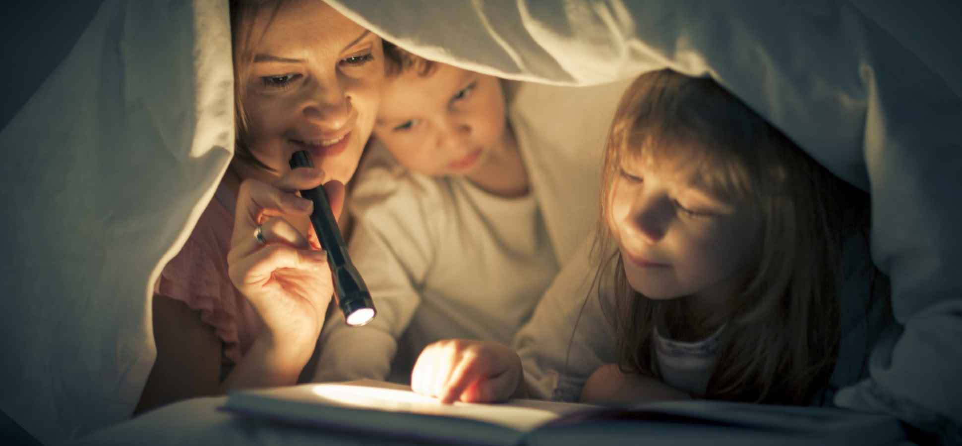 Want to Raise Successful Kids? Science Says Read to Them Like This (But Most Parents Don't)