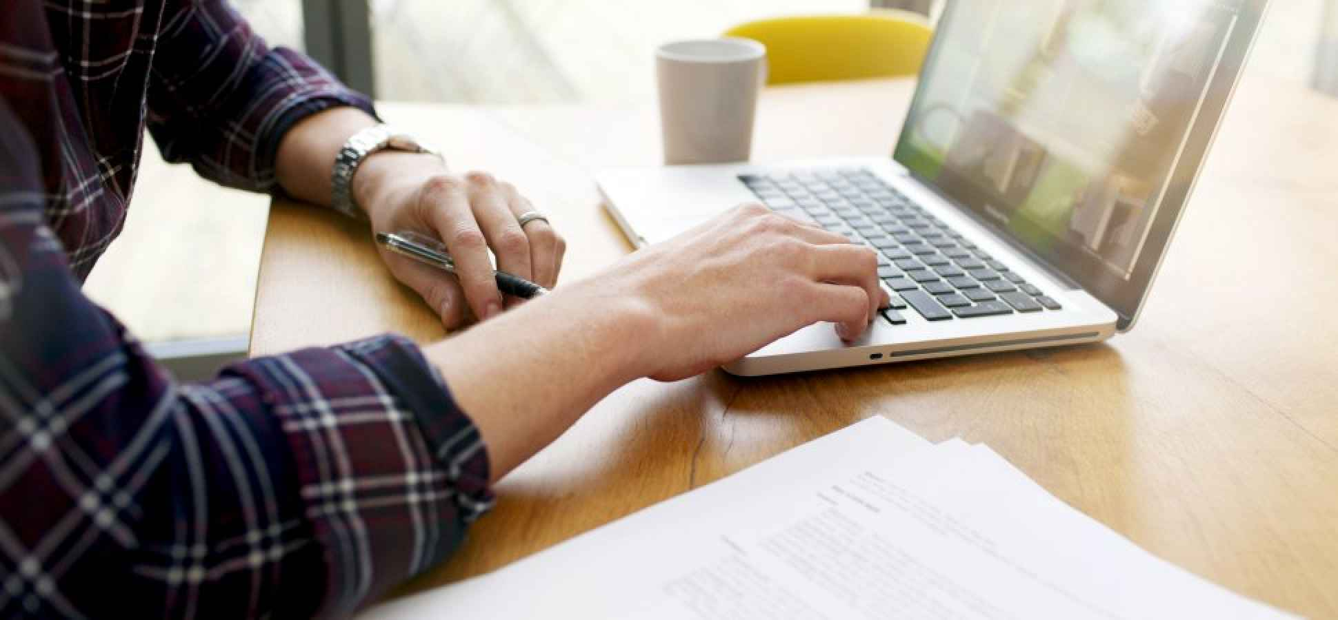 Easing Into Entrepreneurship: Starting Something on the Side