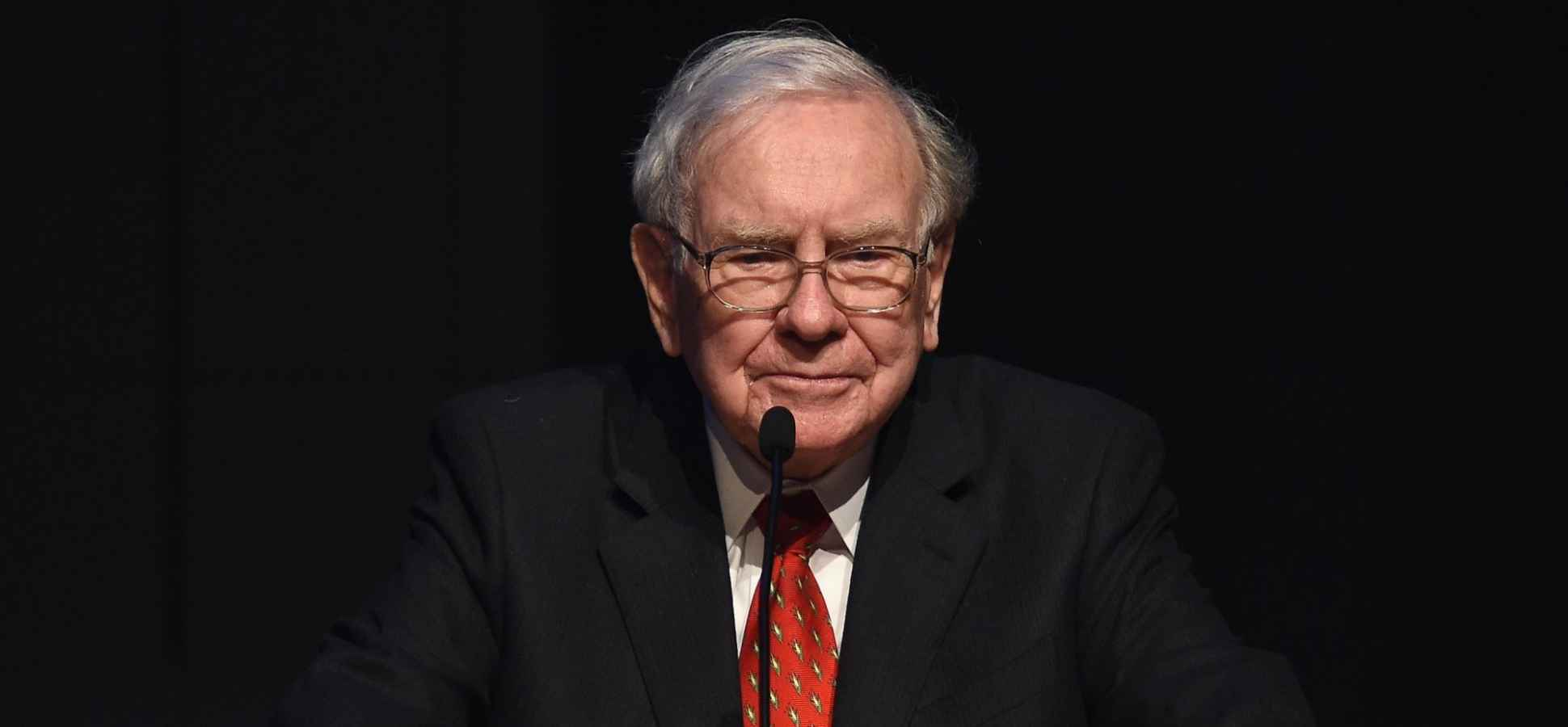 3 Killer Persuasion Techniques You Can Learn From Billionaire Warren Buffett