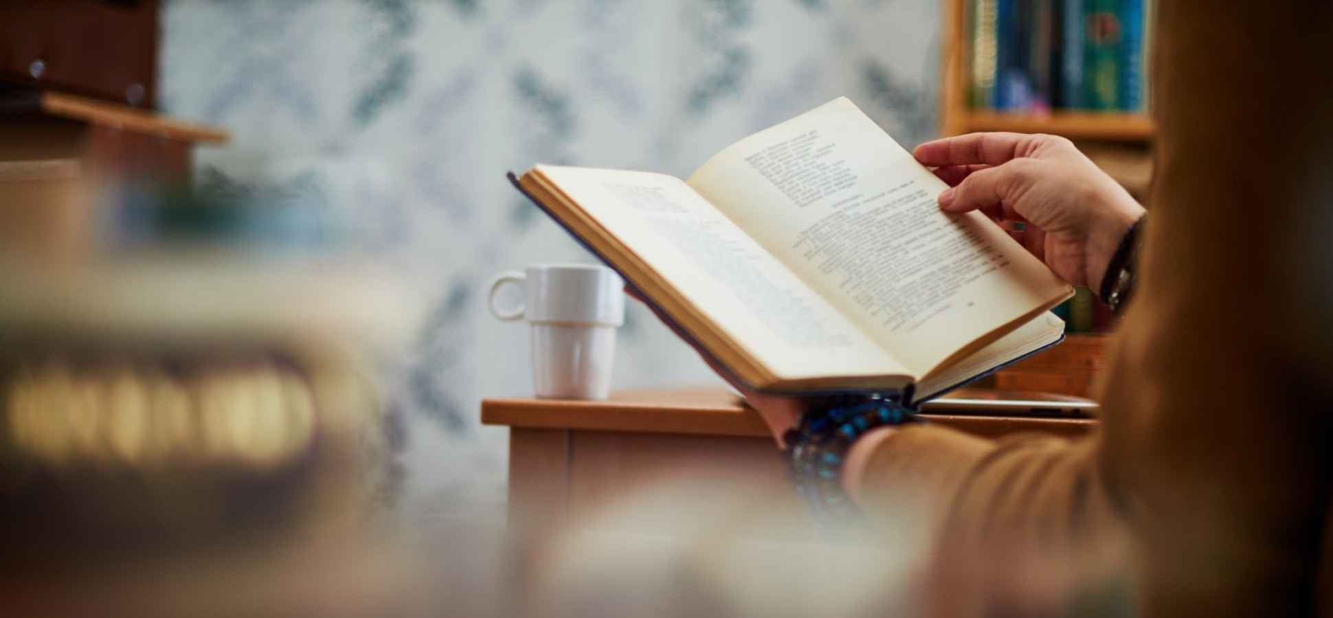 8 Books Every Leader Needs to Read in 2017