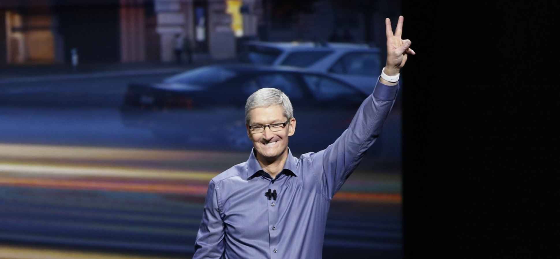 Here's How Steve Jobs and Tim Cook (Plus 10 Other CEOs) Responded to Customer Complaint Emails