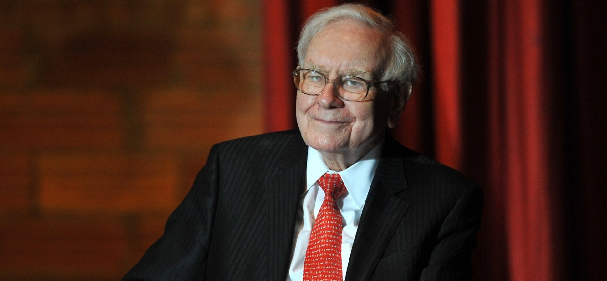 Warren Buffett Says Hiring These People Will Make Any Manager Look Good (And Grow Your Business)