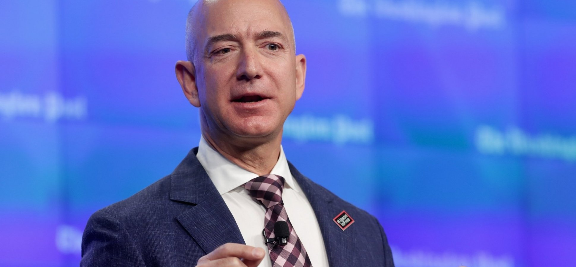 Do You Do This Simple Thing Jeff Bezos Associates With the Smartest People? (You Probably Do, But Not Enough)