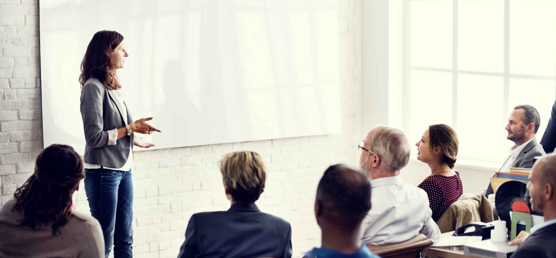 3 Ways to Choose Words That Will Grab the Attention of Everyone in the Room