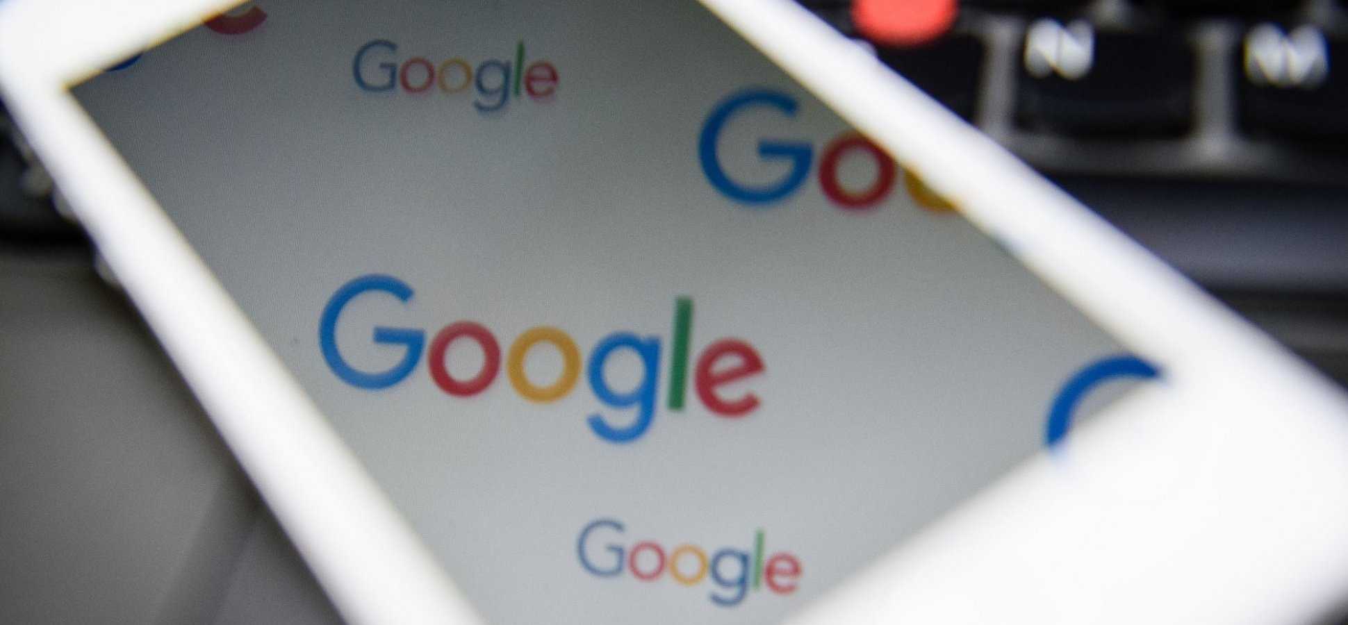 How to Efficiently Use Google to Find a Hotel When Traveling for Business
