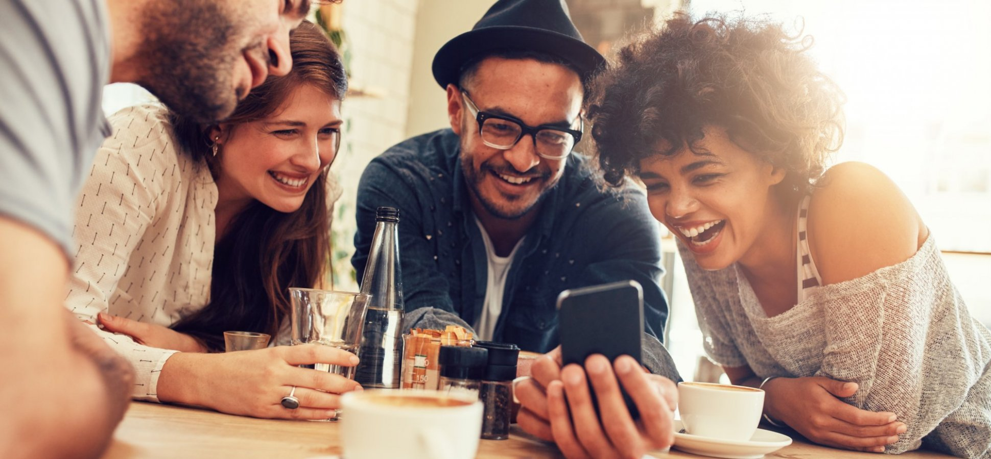 8dbbe922ec6 3 Ways Millennials Differ from Generation Z in 2019 Trends