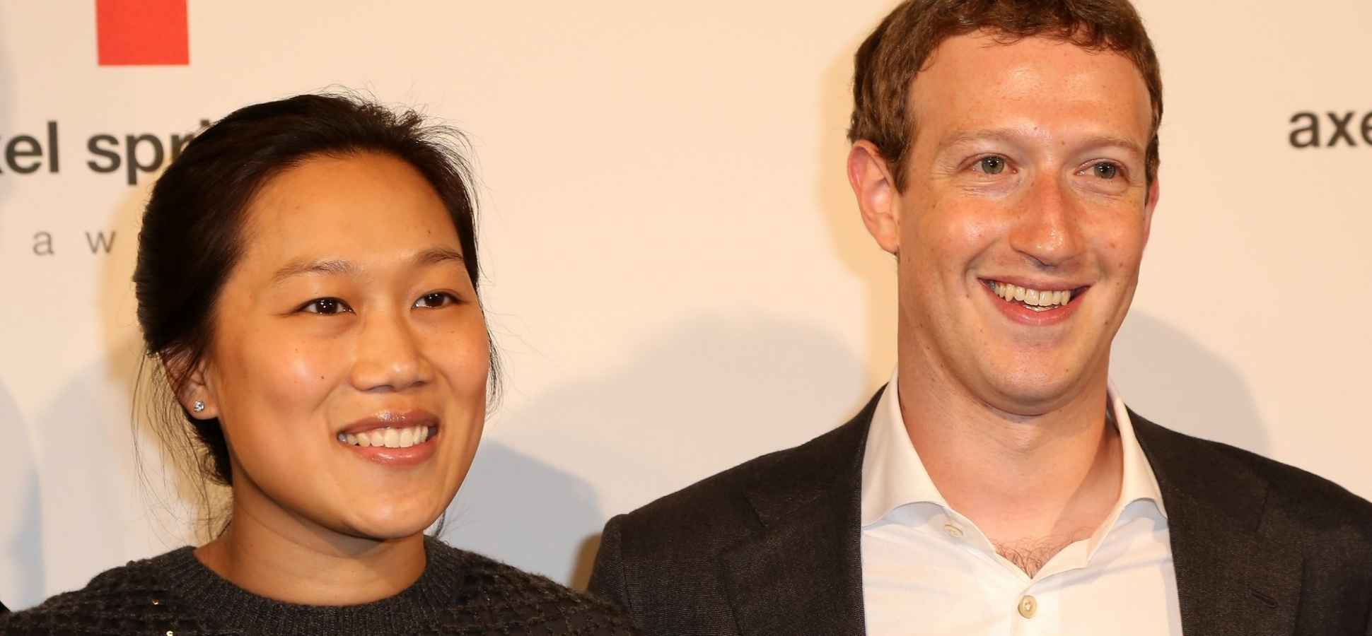 Mark Zuckerberg, Facing Class Action Lawsuit, Scraps Plan to Issue Non-Voting Facebook Shares