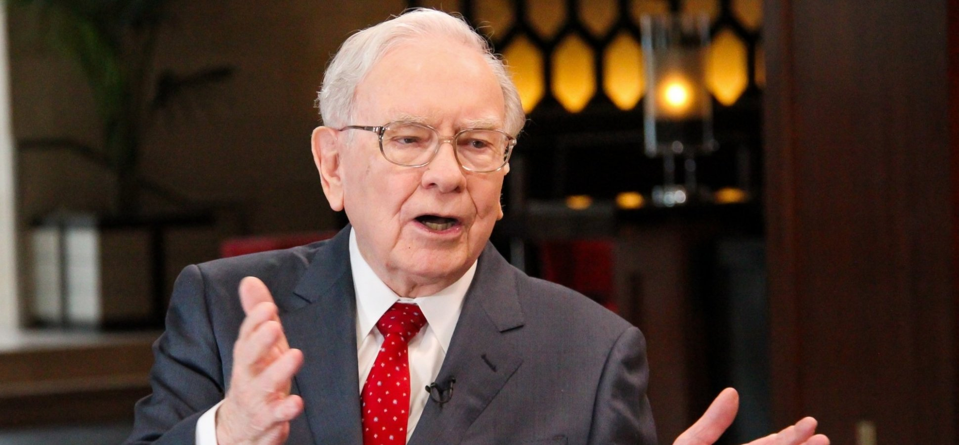 Warren Buffett Says He Became a Self-Made Billionaire Because He Played by 1 Simple Rule of Life (Which Most People Don't)